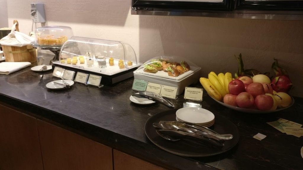 Singapore Airline First Class Lounge Hongkong Buffet 3