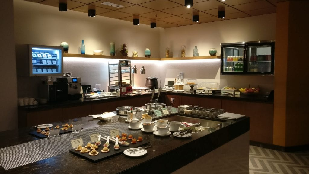 Singapore Airline First Class Lounge Hongkong Buffet 4