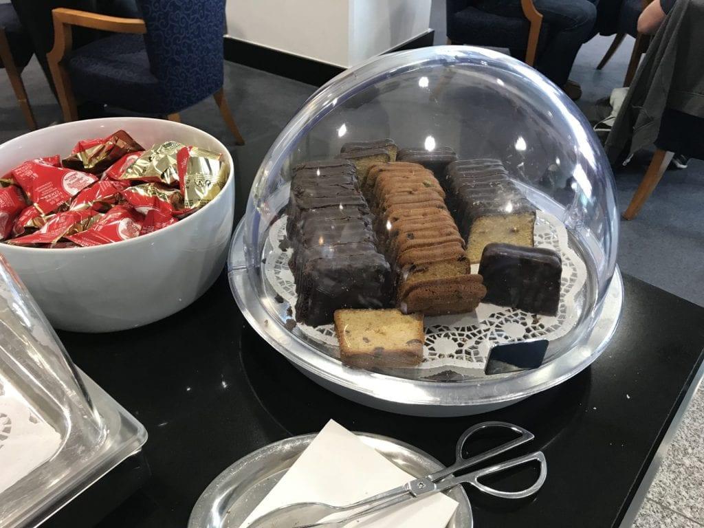 Review skylounge frankfurt testbericht mit bildern for Kuchen frankfurt