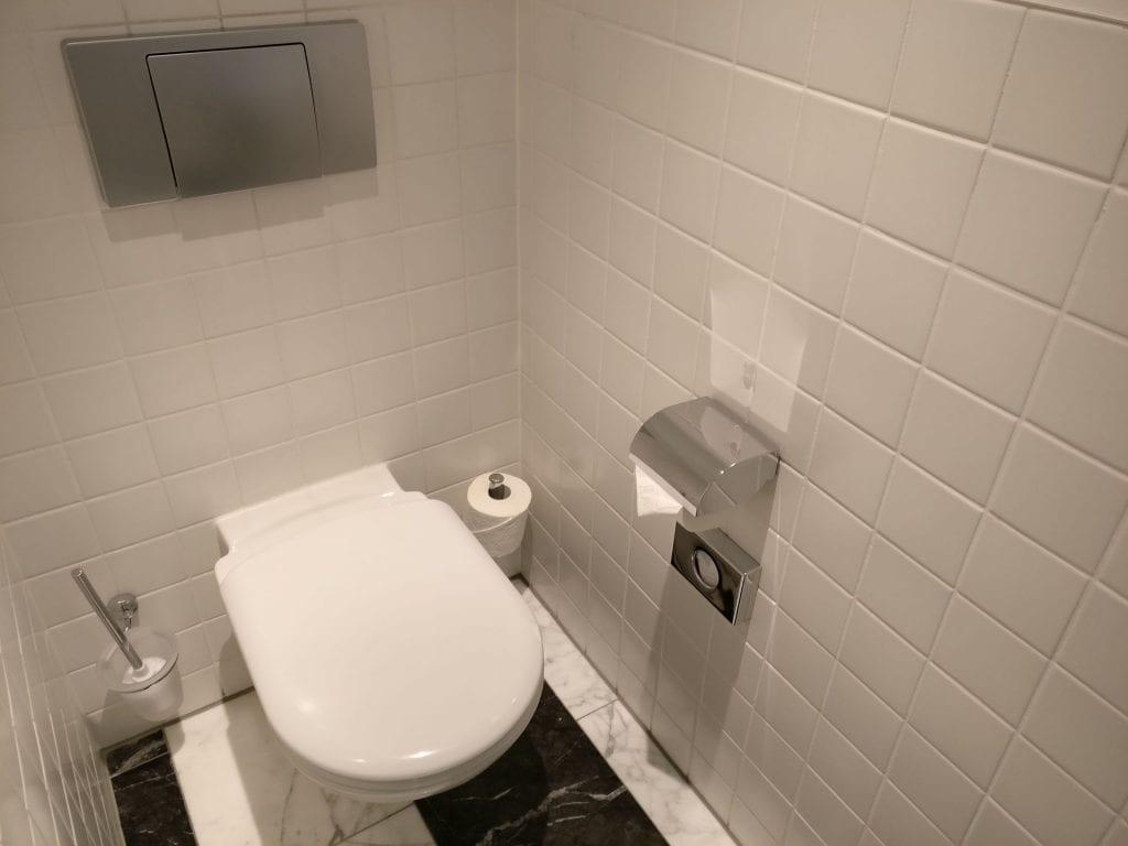 Sofitel Berlin Gendarmenmarkt Luxury Room Bathroom