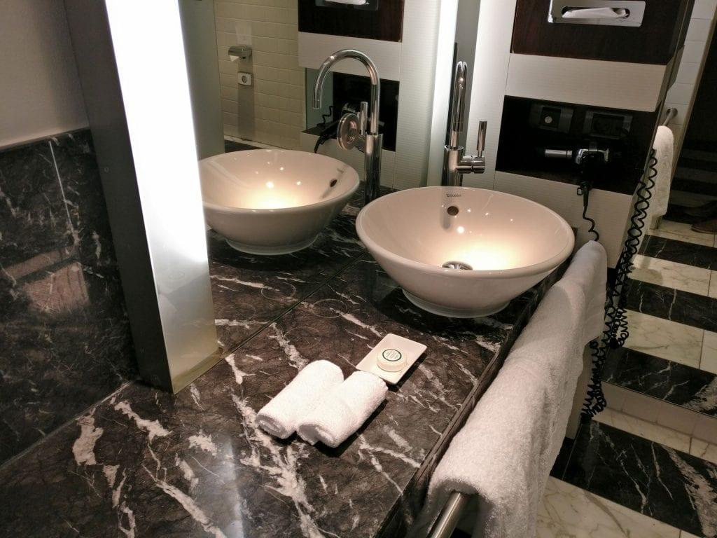 Sofitel Berlin Gendarmenmarkt Luxury Room Bathroom 3