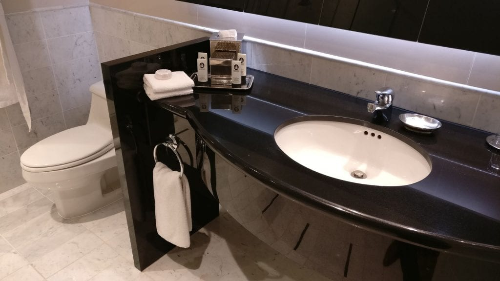 Sofitel Montreal Luxury Room Bathroom 2