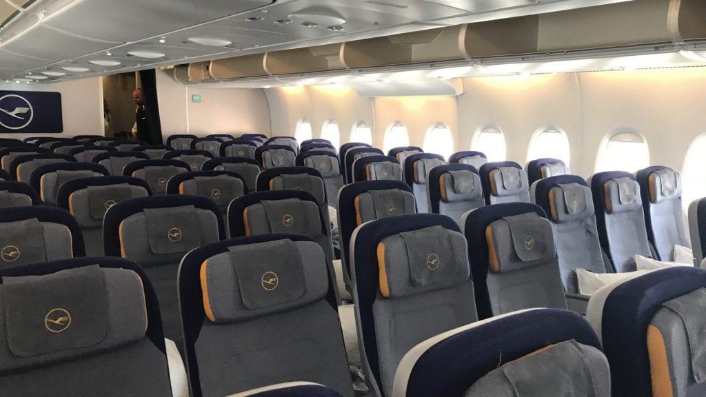 lufthansa economy class Airbus A380