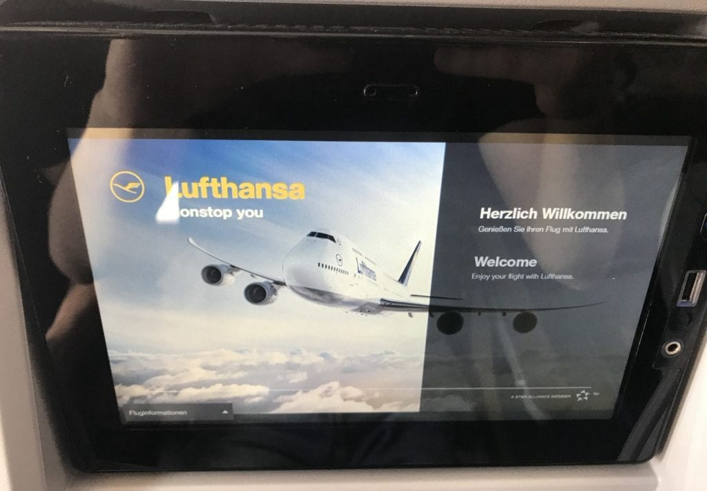 lufthansa economy class langstrecke airbus a330 entertainment