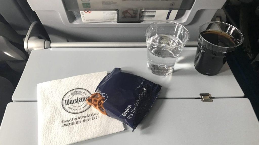lufthansa economy class langstrecke airbus a330 getränke service