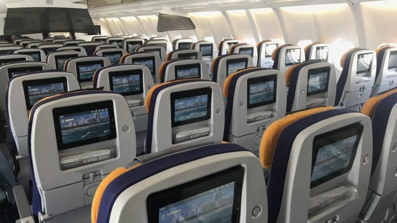 lufthansa economy class langstrecke airbus a330 kabine 3