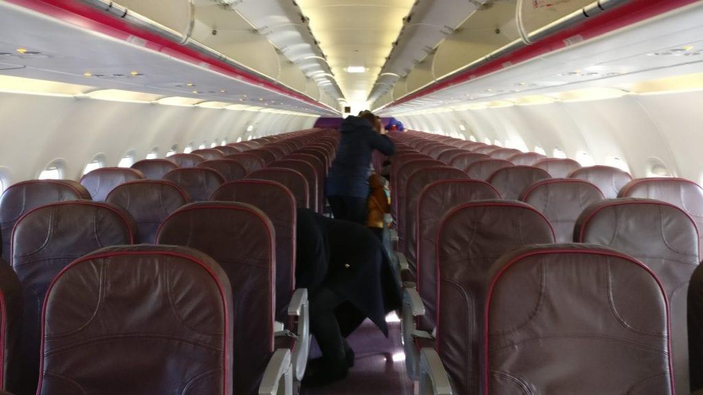 wizz air a320 kabine