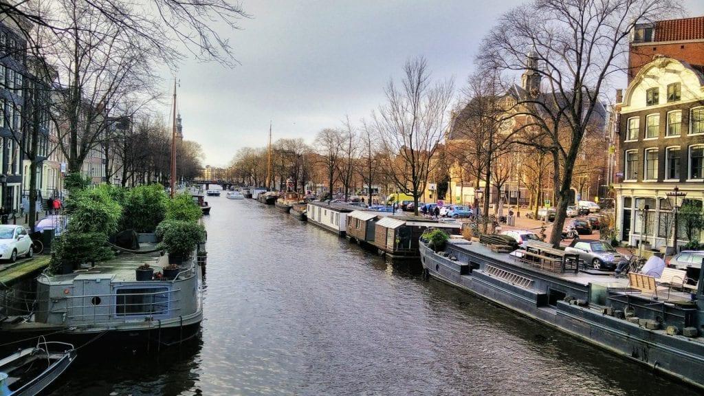 Amsterdam Grachten Oude Kerk