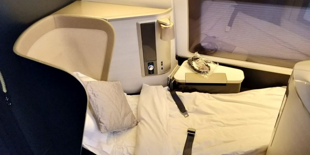 British Airways First Class Boeing 777 Bett 2