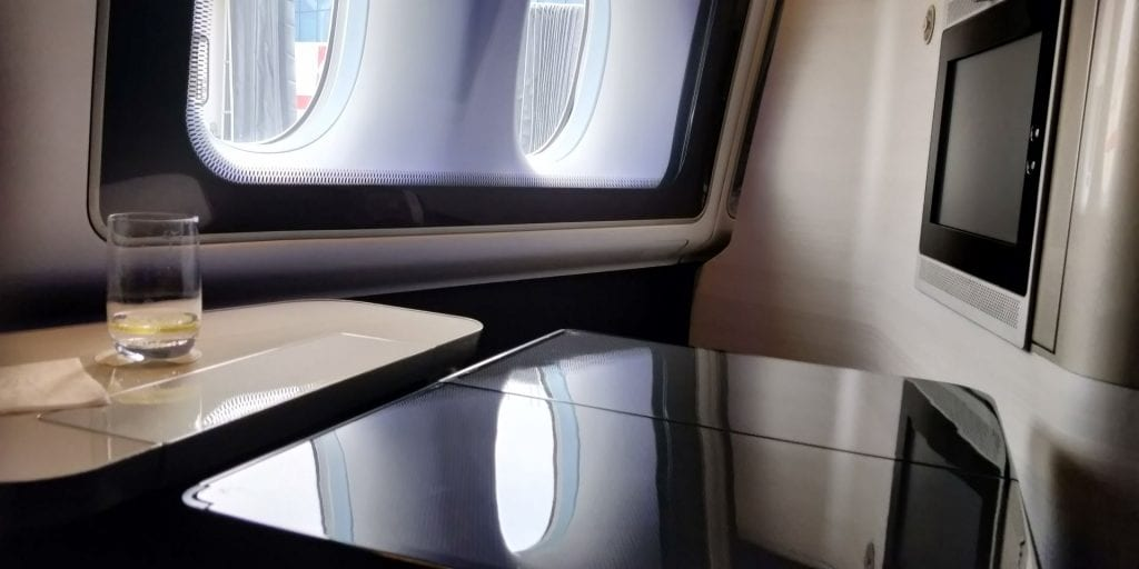 British Airways First Class Boeing 777 Tisch