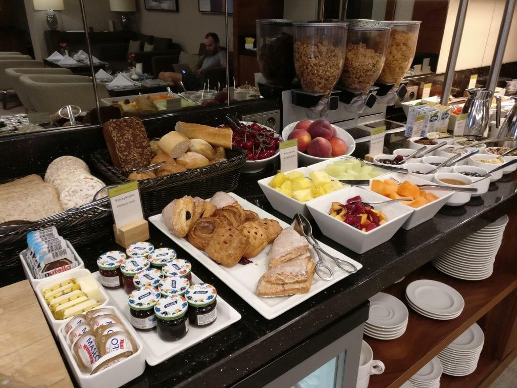 DoubleTree Warschau Convention Centre Lounge Breakfast 2