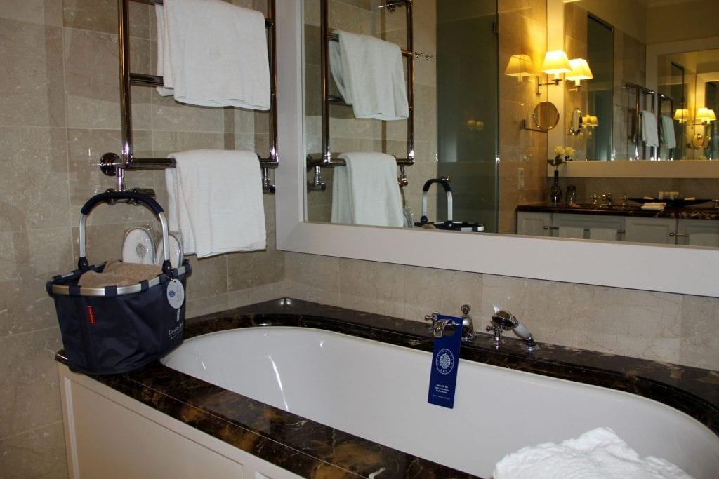 Grand Hotel Heiligendamm Klassik Zimmer Bad 2