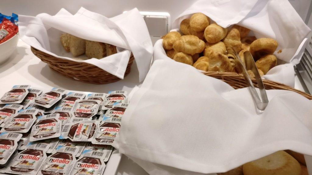 LOT Elite Lounge Warschau Buffet Frühstück