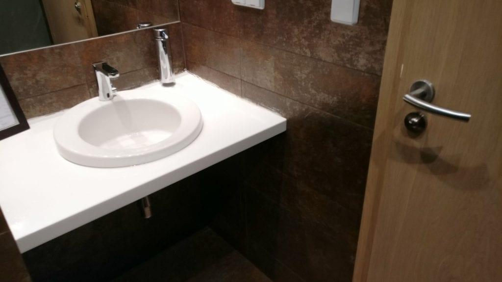 LOT Elite Lounge Warschau Toiletten