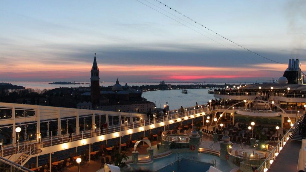 MSC Magnifica Auslaufmanöver in Venedig