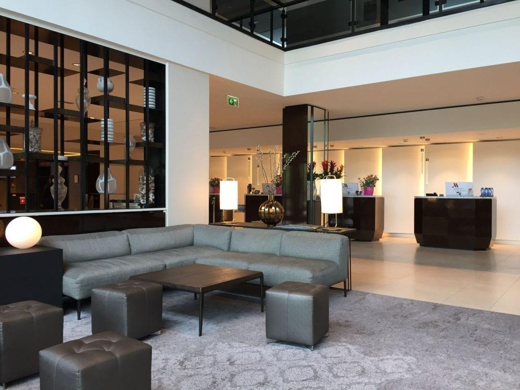 Marriott Den Haag Lobby und Rezeption