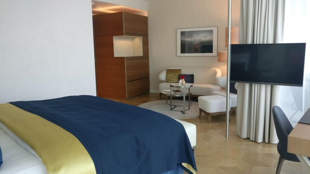 The Fontenay Hamburg Deluxe Room 11