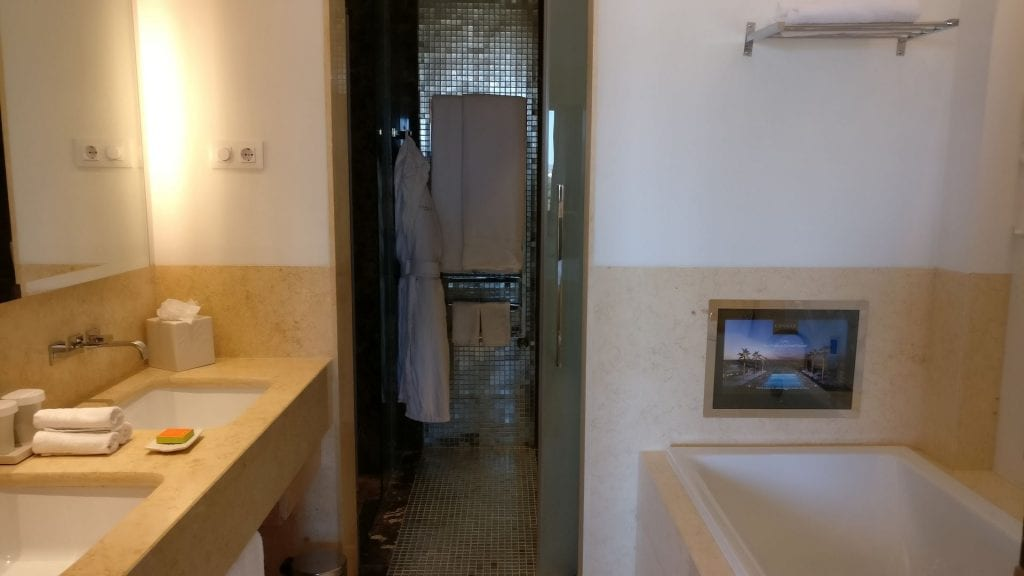 Conrad Algarve Grand Deluxe Room Bathroom