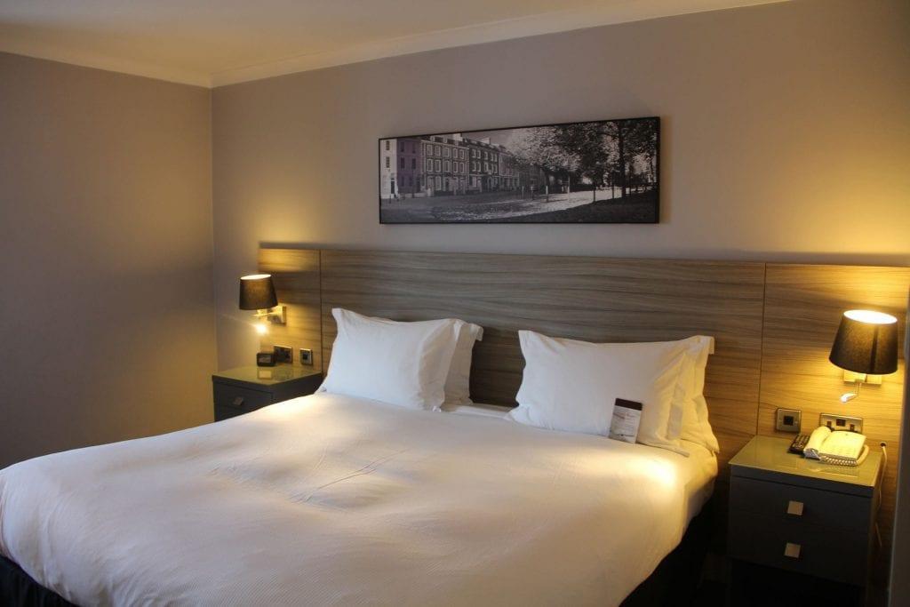 Doubletree Bristol Queen Room