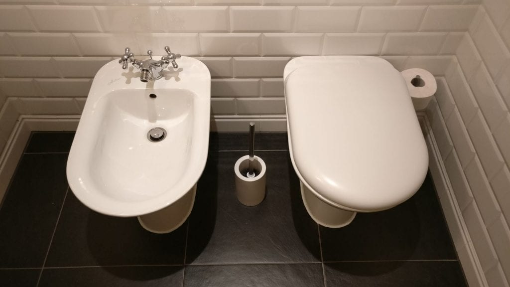 Heidelberg Suites Boutique Hotel Deluxe Suite Bathroom 2