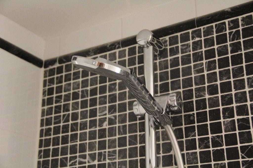 Hilton Belfast Executive Room Bathroom 5