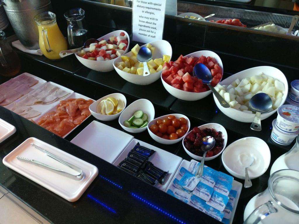 Hilton Cardiff Lounge Frühstück