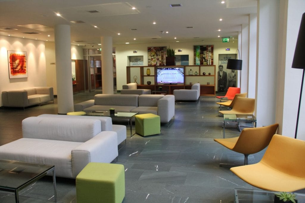 Hilton Garden Inn Birmingham Brindleyplace Lobby 2