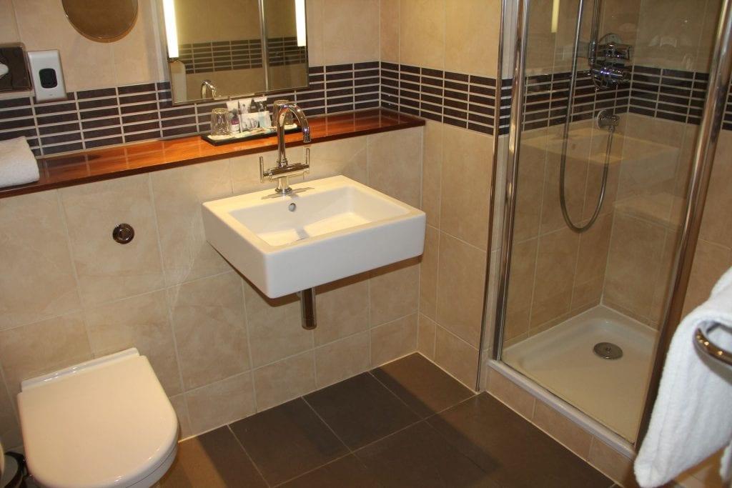 Mercure Exeter Southgate Privilege Room Bathroom 2