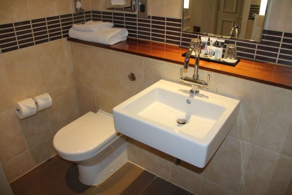 Mercure Exeter Southgate Privilege Room Bathroom 3