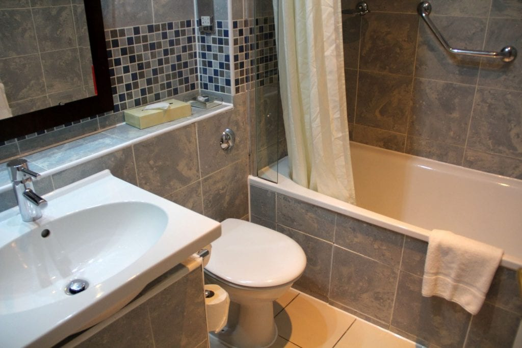 The Imperial Torquay Standard Sea Facing Room Bathroom