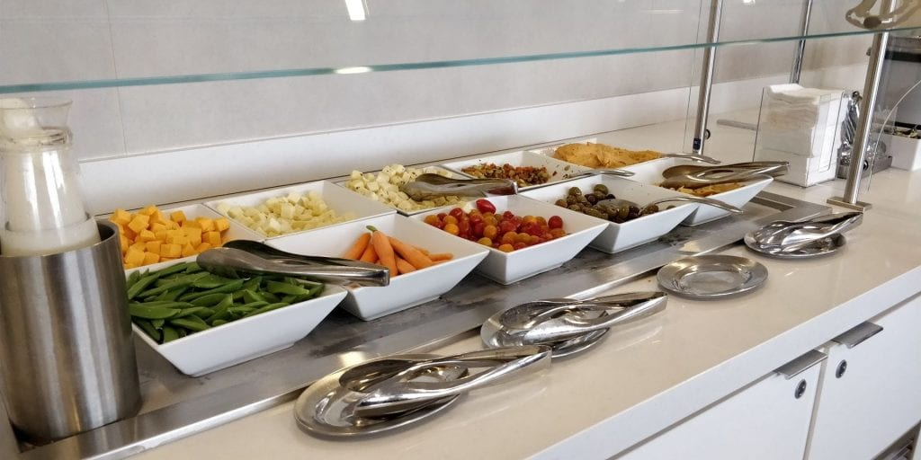 American Airlines Admirals Club Chicago Buffet