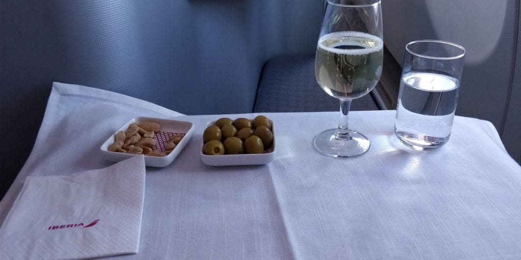 Iberia Business Class Langstrecke Airbus A330 Champagner