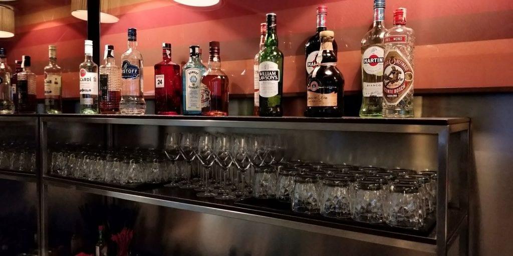 Iberia Dali Lounge Madrid T4 Alkohol