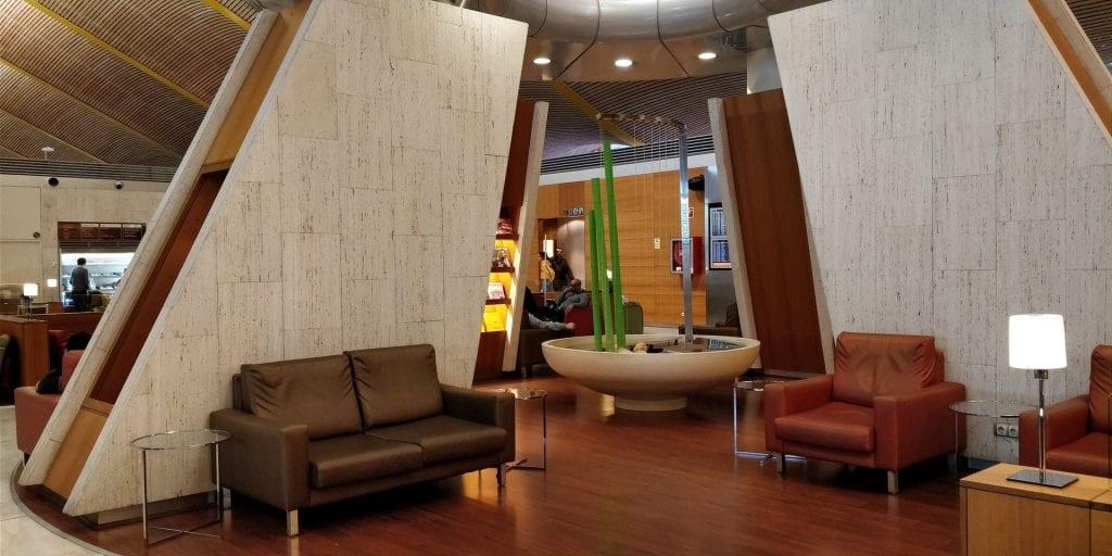 Iberia Dali Lounge Madrid T4 Sitzbereich