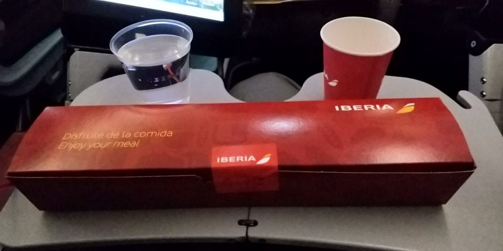 Iberia Economy Class Langstrecke Airbus A340 Essen