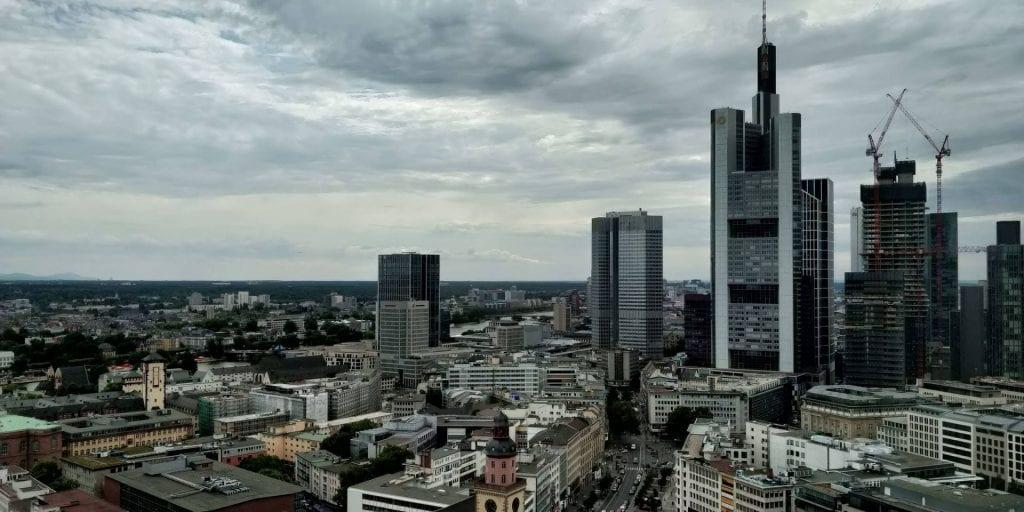 Jumeirah Frankfurt Zimmer Ausblick Skyline