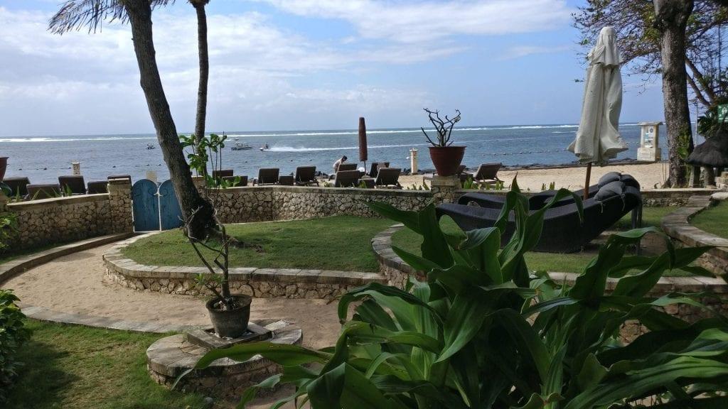 Novotel Bali Benoa Beach Cabana Garten 2
