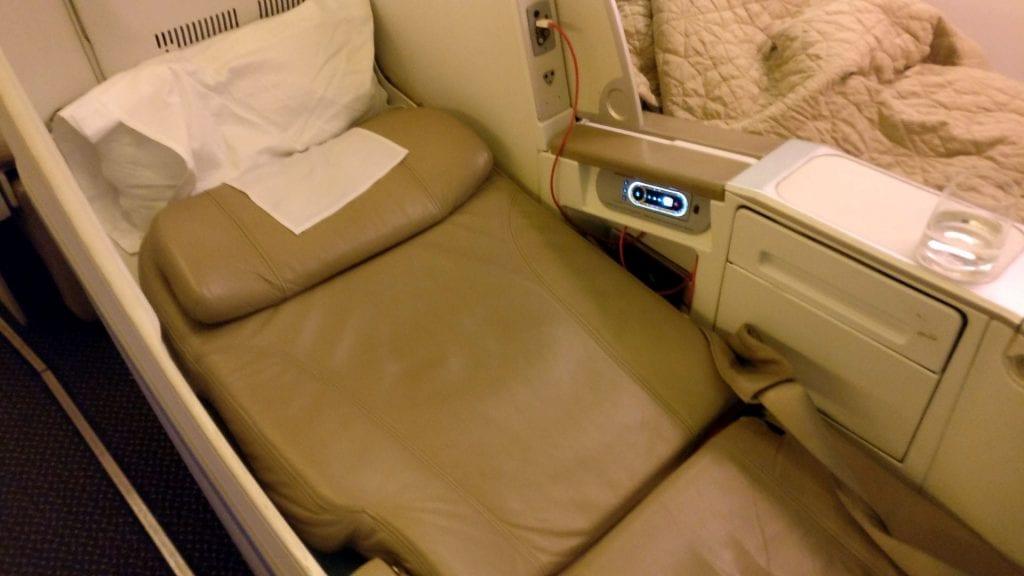 Saudia Business Class Boeing 777 Bett 2