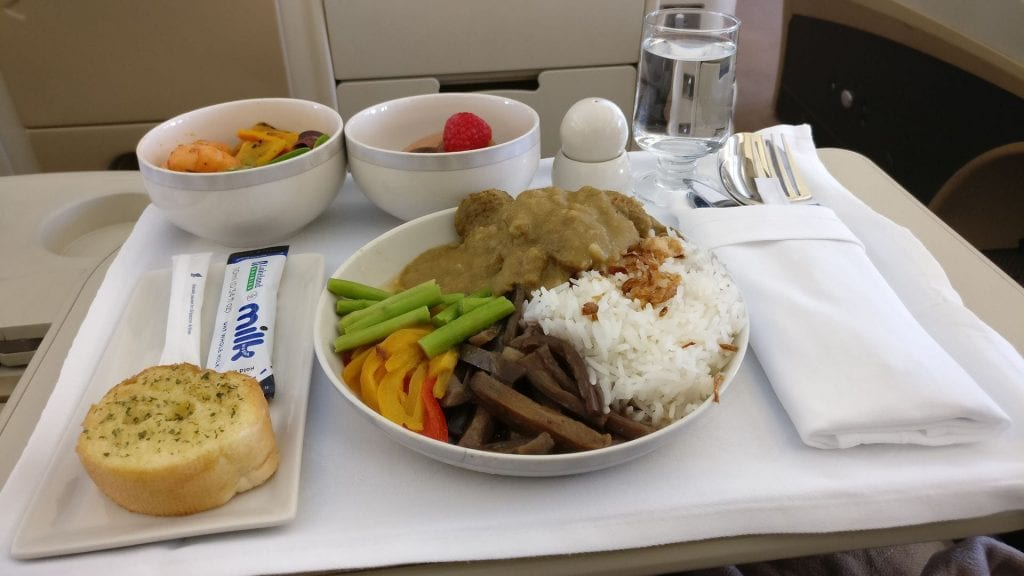 Singapore Airlines Business Class Airbus A330 Mittagessen