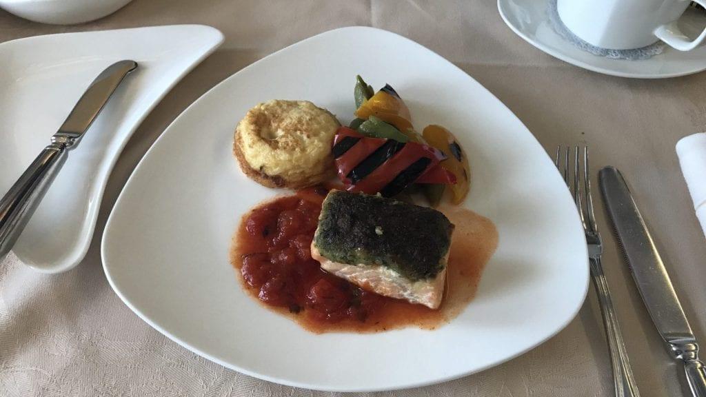 Asiana First Class Frühstück Lachs