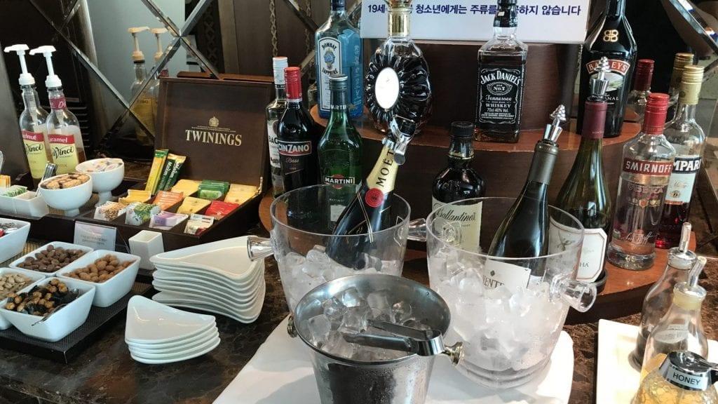 Asiana First Class Lounge Seoul Getränke 2