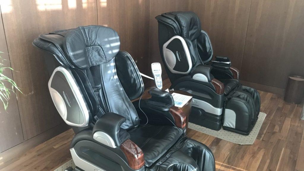 Asiana First Class Lounge Seoul Massage Sessel