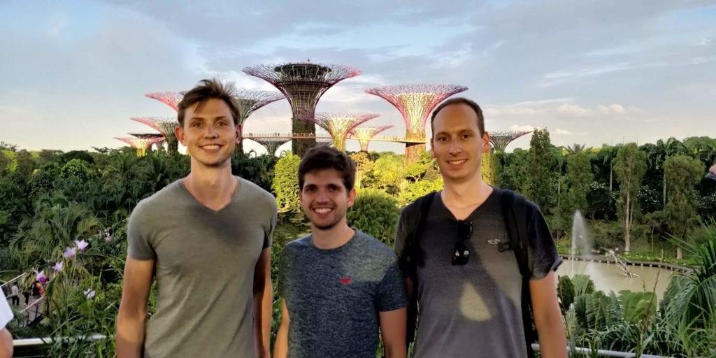 Reisetopia Team Moritz Leo Singapur Bay