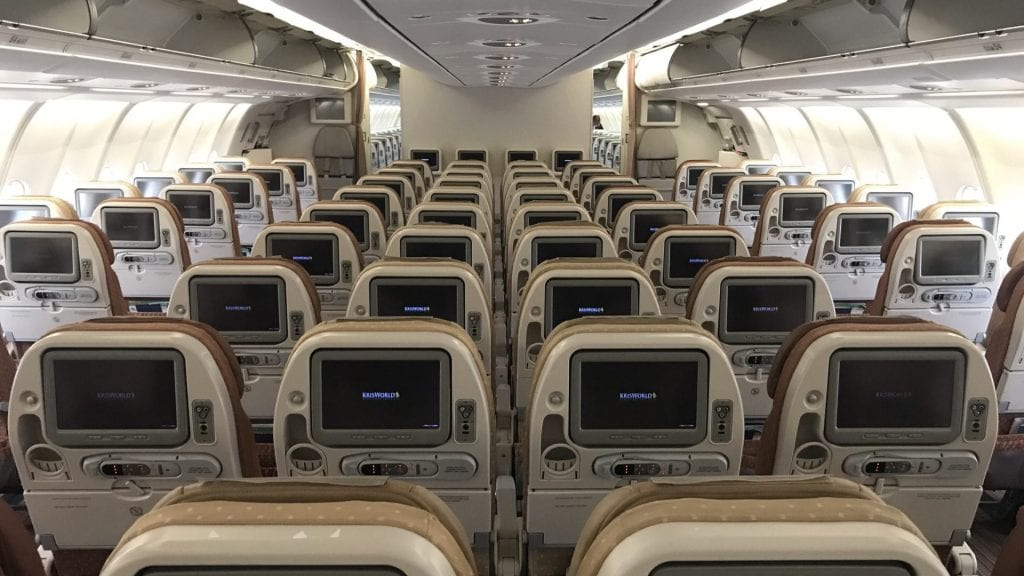 Singapore Airlines Economy Class Airbus A330 Kabine 4