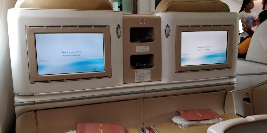 Air India Business Class Boeing 787 Monitore Ablagefläche