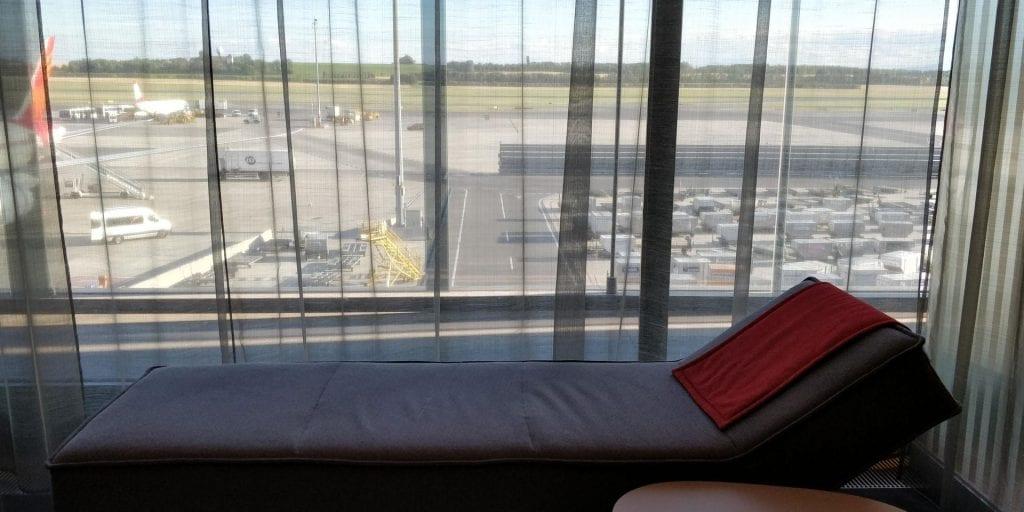 Austrian Airlines Business Class Lounge Wien Non Schengen Liege Ausblick