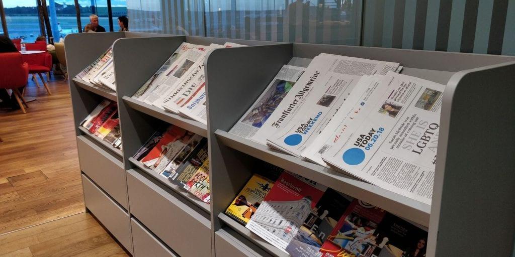 Austrian Airlines Senator Lounge Wien Non Schengen Zeitschriften