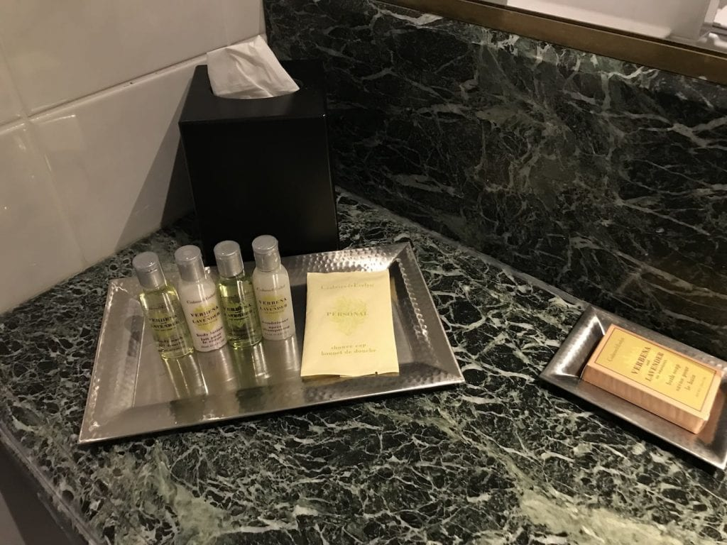 Hilton Bruessel Grand Place Deluxe Zimmer Bad 2