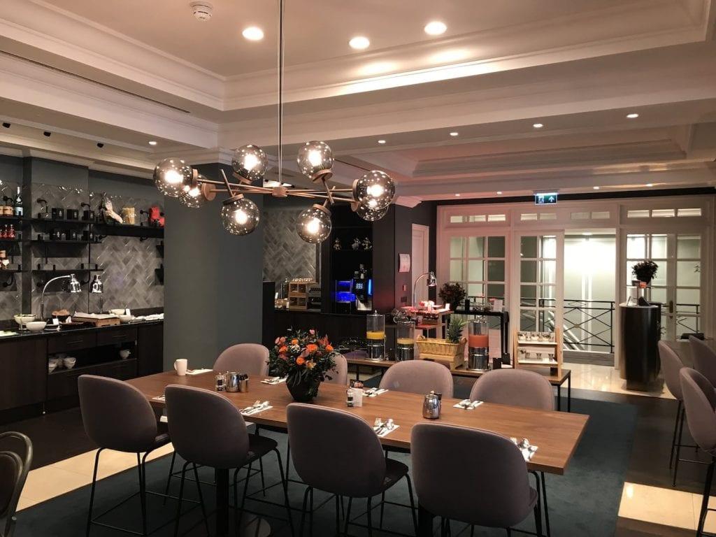 Hilton Bruessel Grand Place Fruehstueck Einrichtung 2