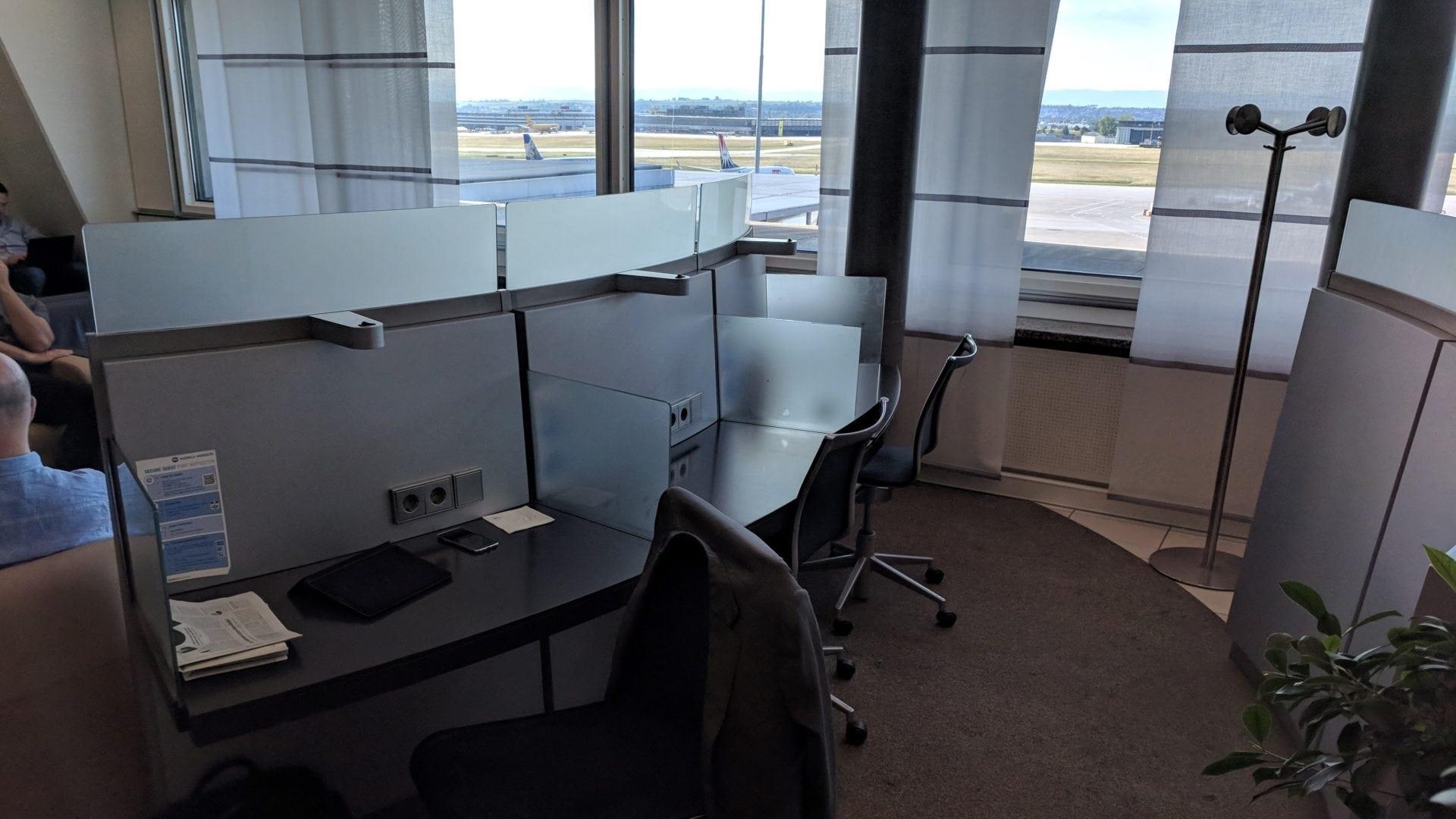 Lufthansa Business Lounge Stuttgart Arbeitsbereich